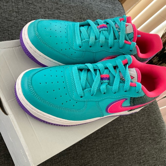 Nike Shoes | Nike Air Force Now Gs